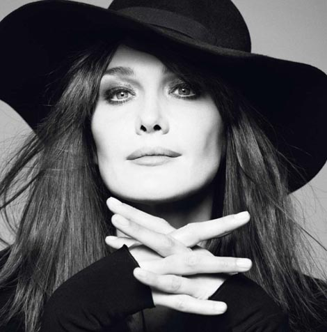 carla-bruni-vogue-paris-december-2012