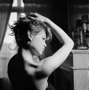 Brigitte BARDOT travaille la danse depuis l'âge de cinq ans.